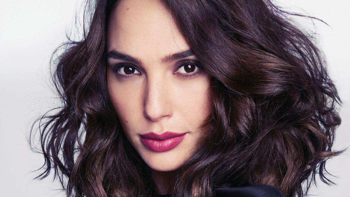 Check-out Another Side of  Gal Gadot (Wonder Woman)- The Model Life